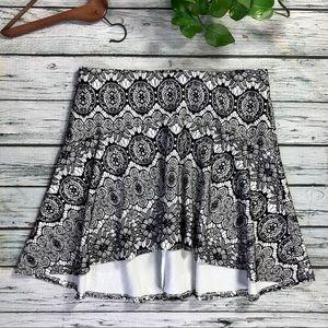 NWOT Torrid B&W lace circle skirt Sz 2 X